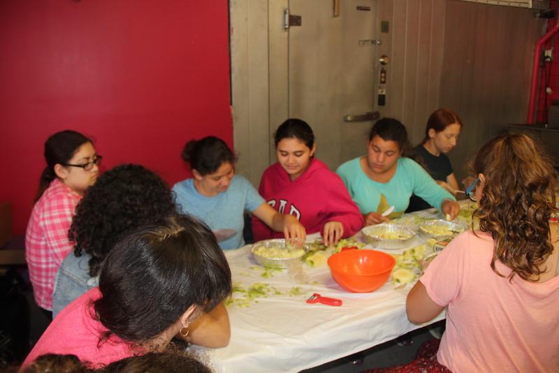 kars4kids_thezone_camp_girlsDivsion_activities_baking (67).JPG