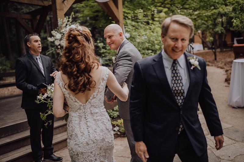 2018-05-12_ROEDER_JulieSeth_Wedding_ROEDER1_0128.jpg