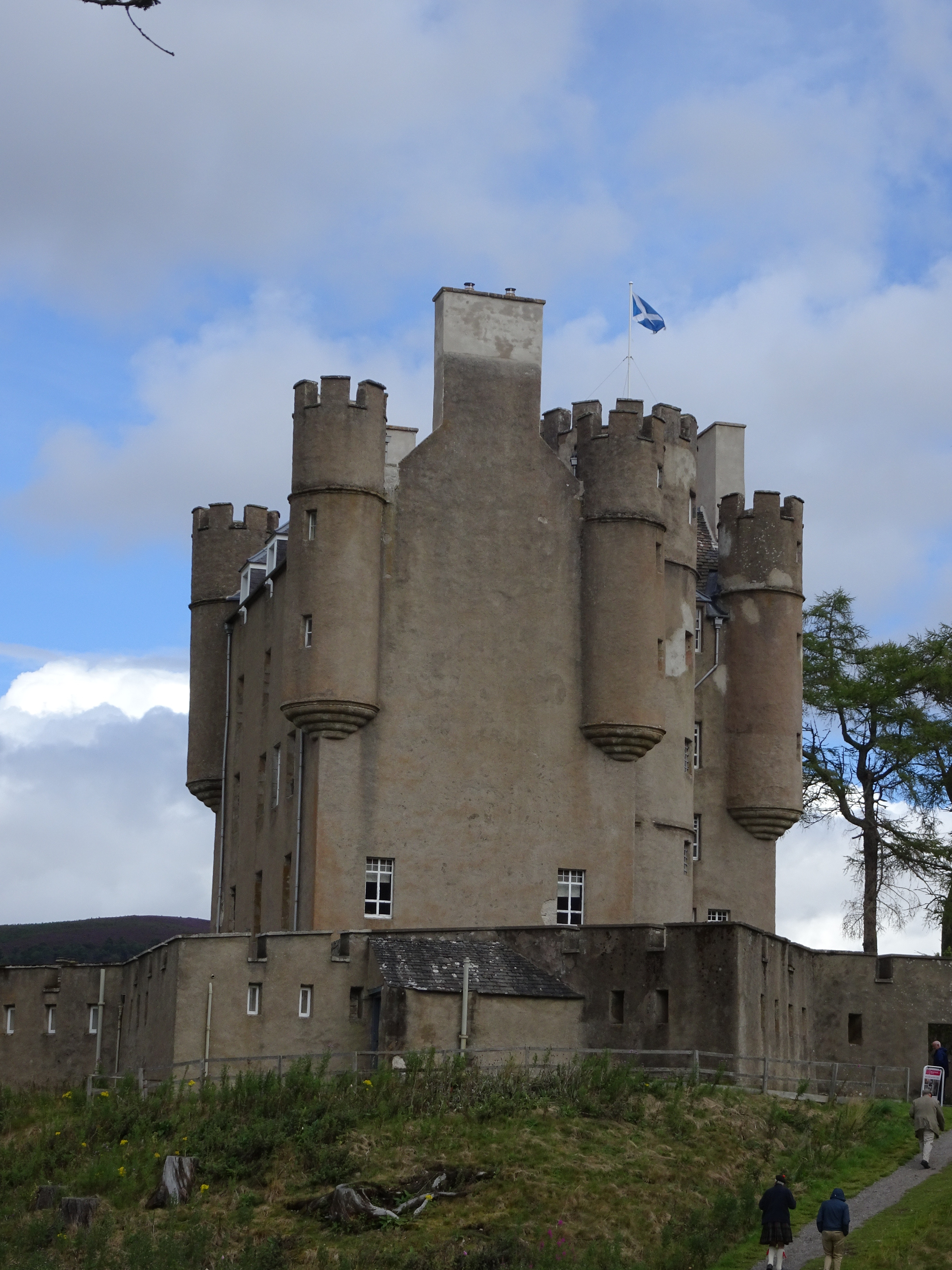 8/15 - Braemar Castle, Black Watch