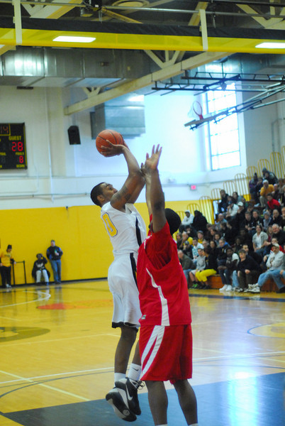 20090301_MCC Basketball_5600.JPG