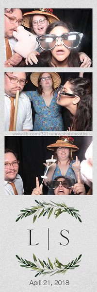 ELP0421 Lauren & Stephen wedding photobooth 105.jpg