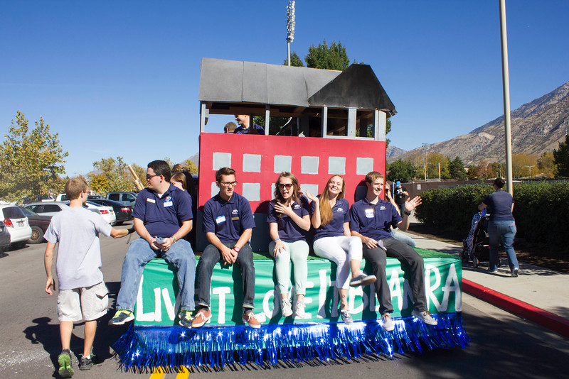2015_10_10_Homecoming_Parade_7896.jpg