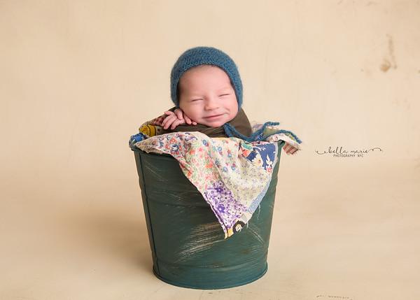 Baby Evan /  6 days new