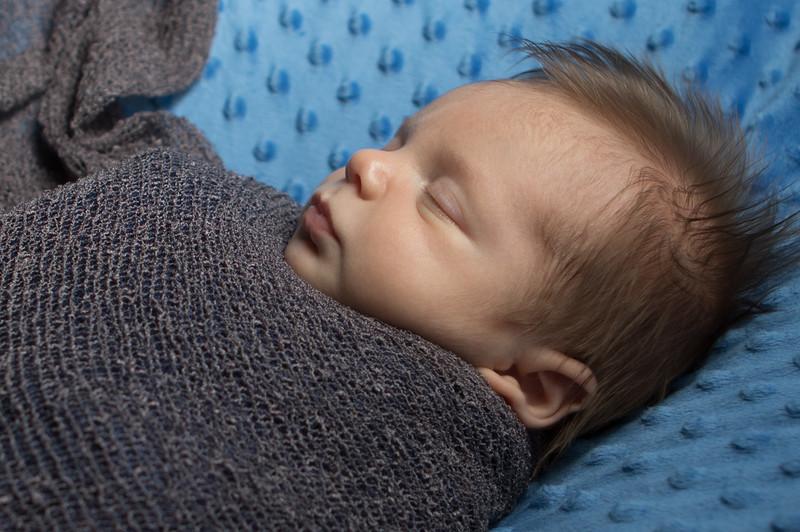 James newborn session-6.jpg