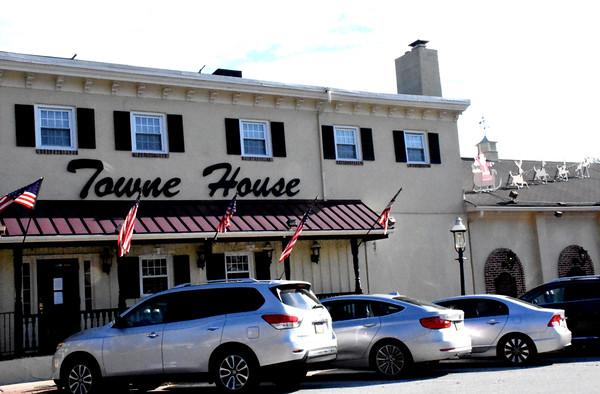 PHOTOS- Media Towne House