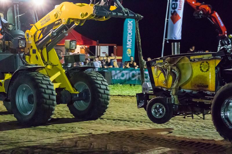 Tractor Pulling 2015-9247.jpg