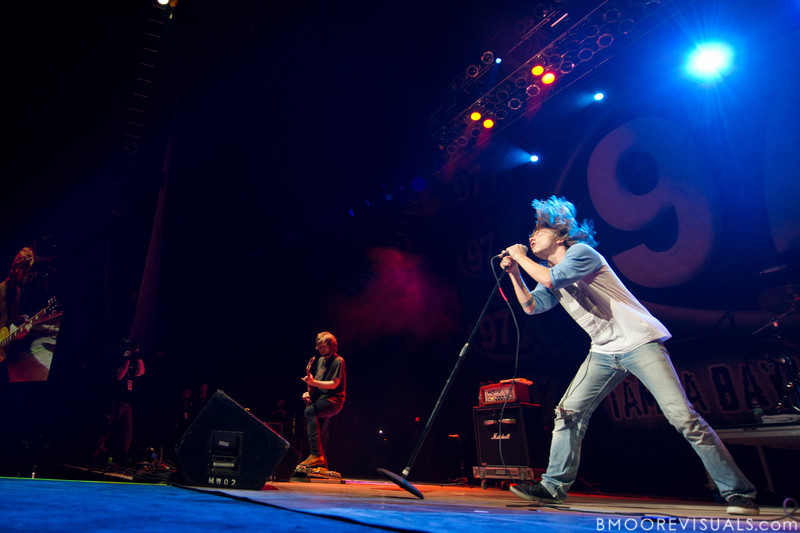 """Lincoln Parish and Matthew Schultz of Cage The Elephant perform in support of their upcoming album, """"Thank You, Happy Birthday"""" on December 5, 2010 during 97X Next Big Thing at 1-800-ASK-GARY Amphitheatre in Tampa, Florida"""