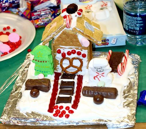 Mrs. Mac's Class Making Gingerbread Houses