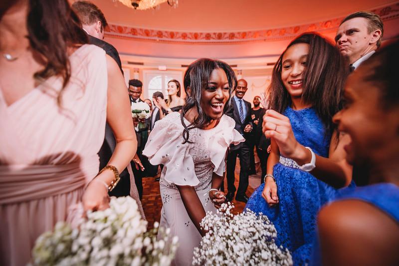 Montreal Wedding Photographer | Wedding Photography + Videography | Ritz Carlton Montreal | Lindsay Muciy Photography Video |2018_802.jpg