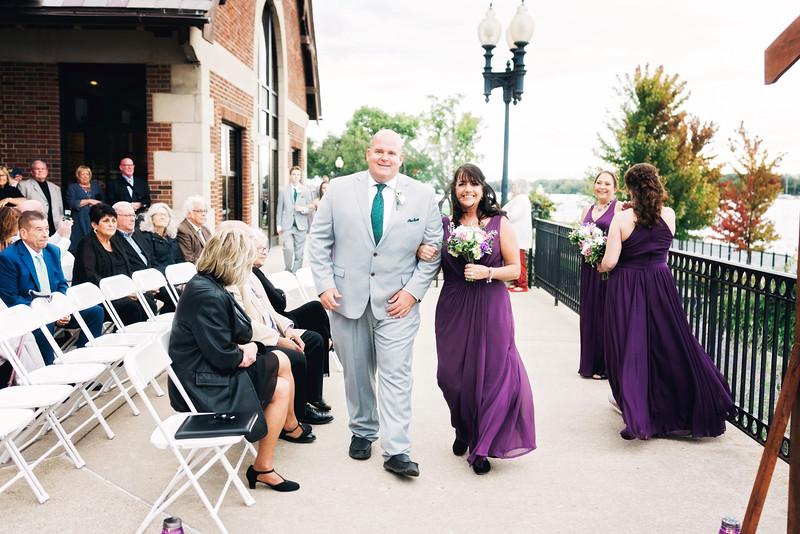chateau-on-the-river-trenton-michigan-wedding-0231.jpg