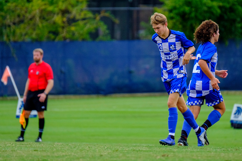 TCS Varsity Soccer 2019-2729.jpg