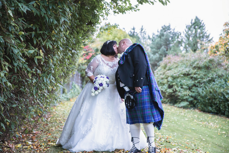 Mr & Mrs Curlis-24.jpg