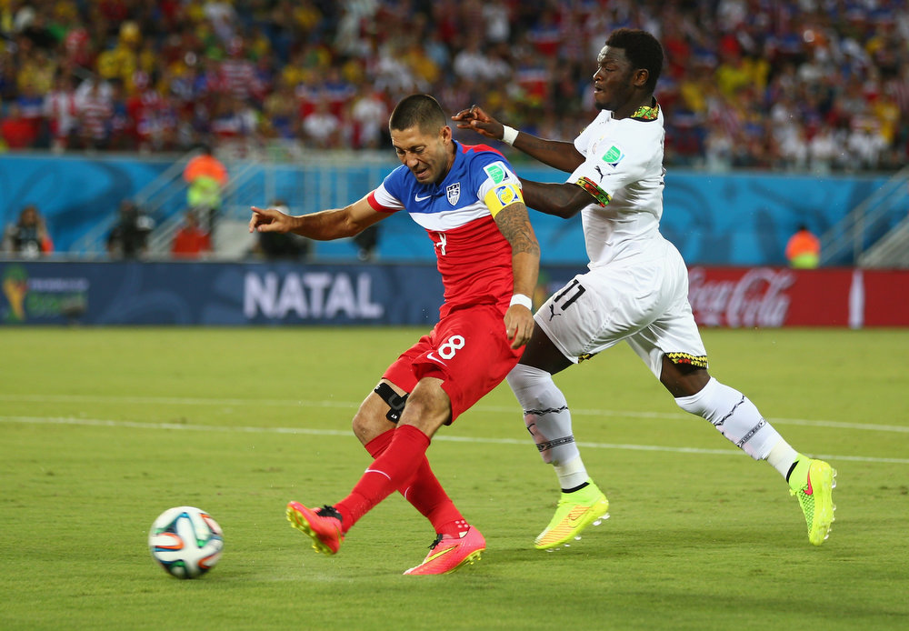 . Clint Dempsey of the United States shoots and scores the team\'s first goal during the 2014 FIFA World Cup Brazil Group G match between Ghana and the United States at Estadio das Dunas on June 16, 2014 in Natal, Brazil.  (Photo by Michael Steele/Getty Images)