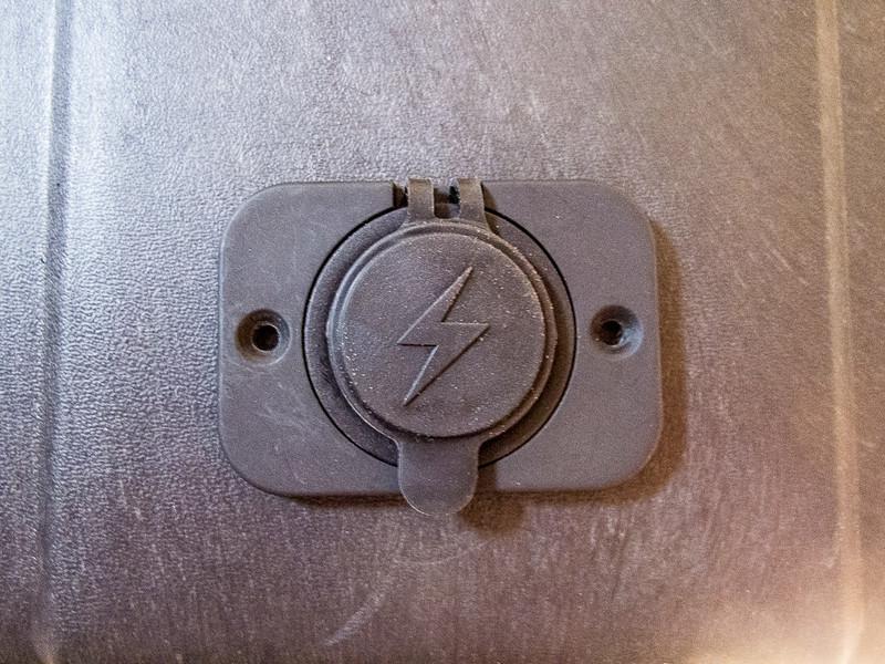 Double Powerpole socket mounted on back of box.