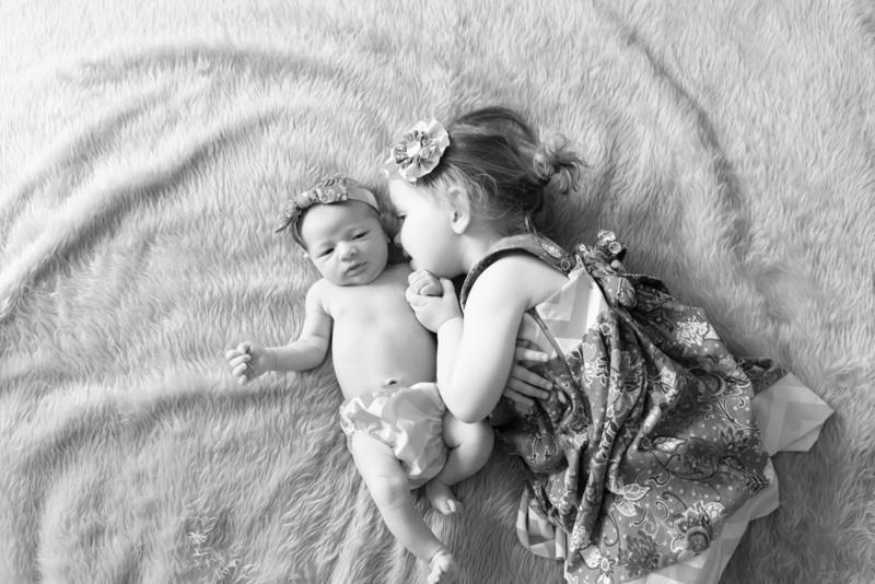 2014.03.30 Whitney Kronforst Newborn Photos B-W 47.jpg