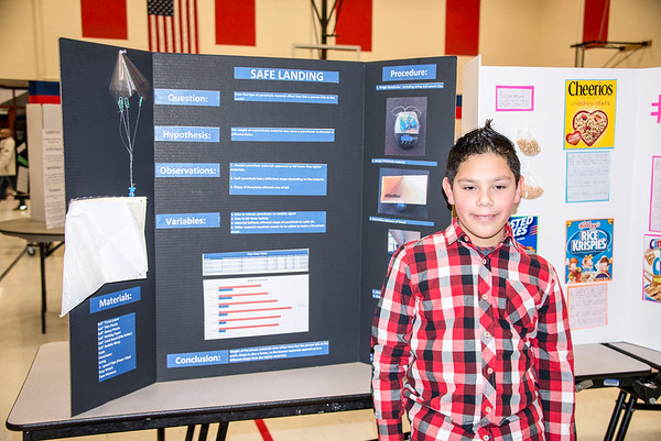 Grande Park Elementary 4th Grade Science Fair Night