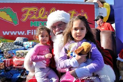 2014-12-21  Navidad Feliz en Midway Nissan