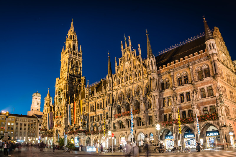 Marienplatz-town-hall-munich-germany.jpg