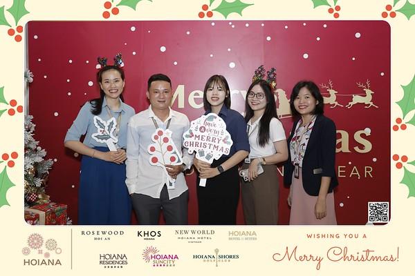 Hoiana   Christmas 2020 instant print photo booth in Hoi An   Chụp hình in ảnh lấy li�n Tiệc Giáng sinh tại Hội An   Da Nang Photobooth Vietnam