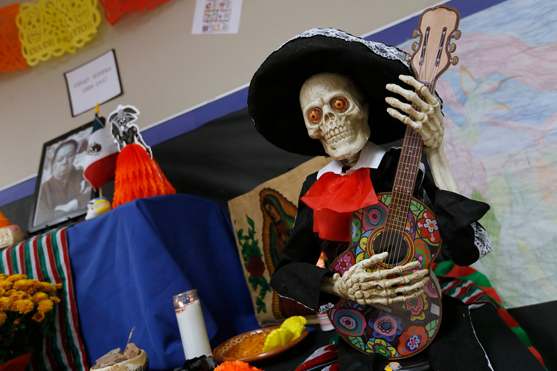 110118BrownMS-DayOfTheDead084 copy.JPG