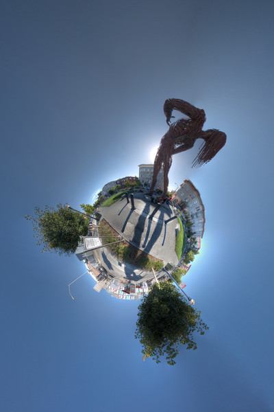 hayes valley statue hdr panorama planet 3.jpg