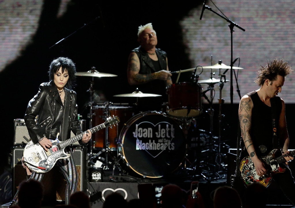 . Joan Jett & the Blackhearts perform at the Rock and Roll Hall of Fame Induction Ceremony Saturday, April 18, 2015, in Cleveland. (AP Photo/Mark Duncan)