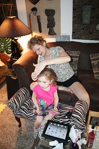 20110509 Mimi French braid Sophia's hair