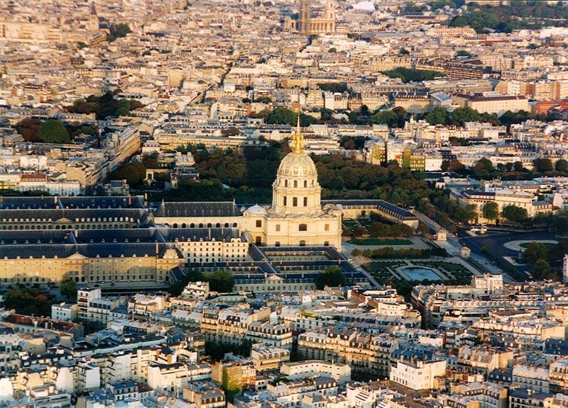 Paris-and-gold-bath.jpg