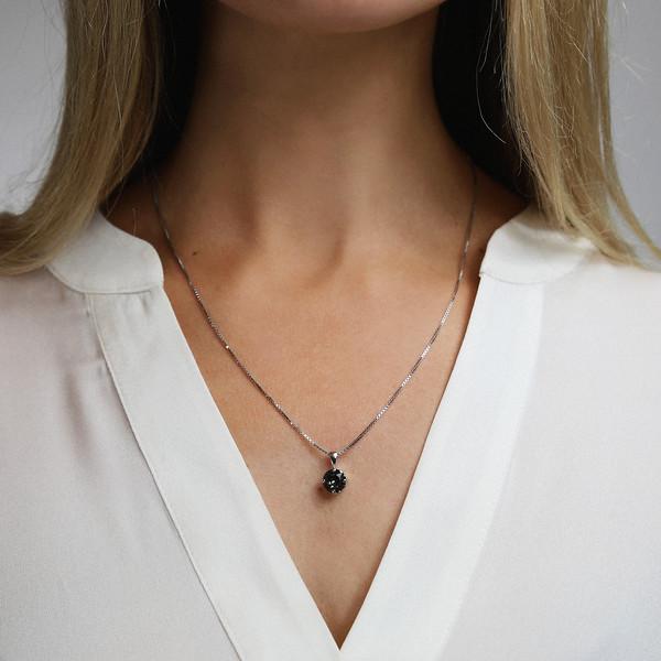 modell-classicstudnecklace_BlackDiamond_Rhodium.jpg