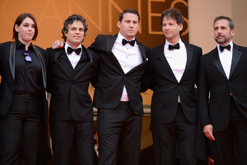 """. (L-R) Megan Ellison, Mark Ruffalo, Channing Tatum, director Bennett Miller and Steve Carell attend the \""""Foxcatcher\"""" premiere during the 67th Annual Cannes Film Festival on May 19, 2014 in Cannes, France.  (Photo by Ian Gavan/Getty Images)"""