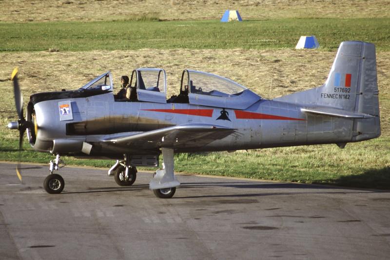 G-TROY-NorthAmericanT-28AFennec-Private-EKSB-2000-06-16-IK-25-KBVPCollection.jpg