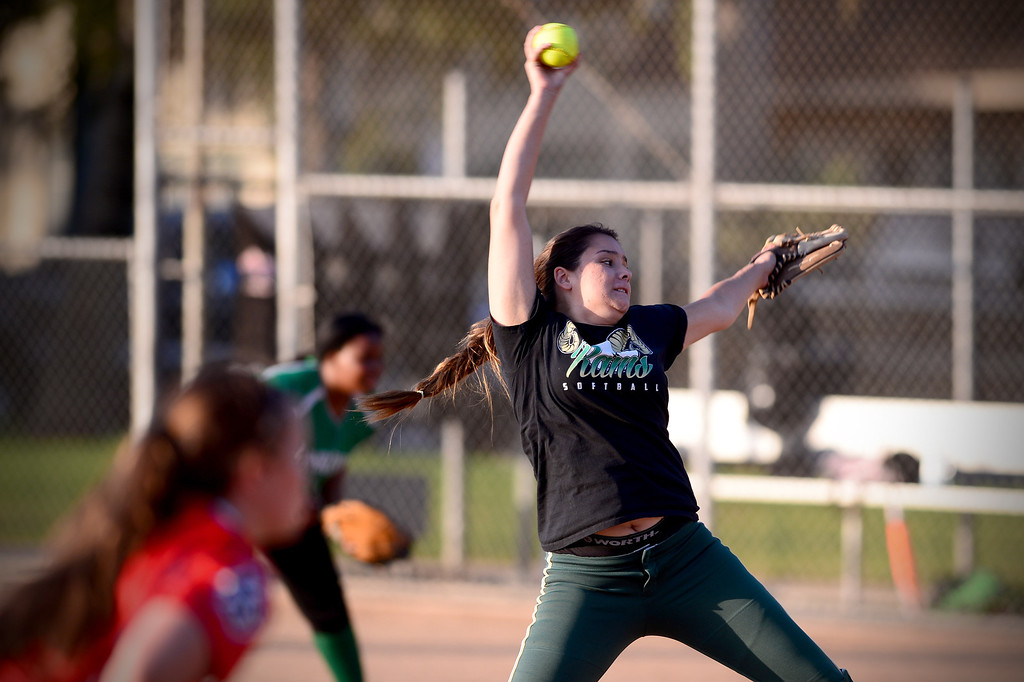 . Temple City\'s Elise Ponce pitches during the West SGV softball all-star game Wednesday night, June 11, 2014 at Live Oak Park in Temple City. (Photo by Sarah Reingewirtz/Pasadena Star-News)