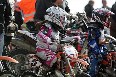 2009 Desert 100 Kids Race #2 - Start of the Race - Misc Bikes