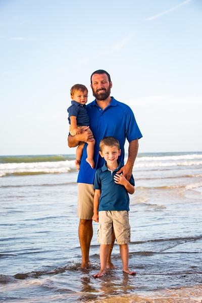 Family beach photos-96.jpg