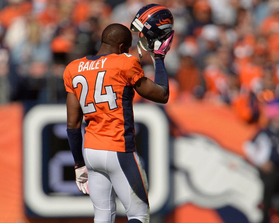 . Denver Broncos cornerback Champ Bailey (24) takes the field in the first quarter.  (Photo by Joe Amon/The Denver Post)