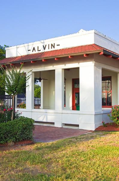 Alvin Train Station