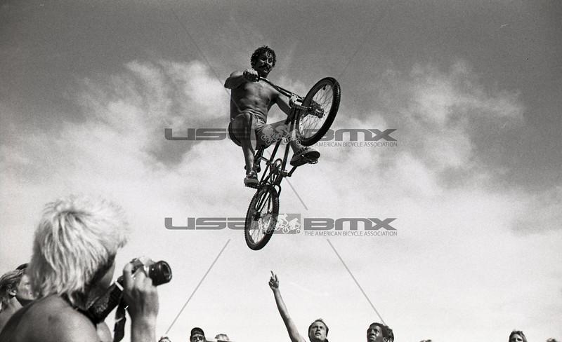 1984-River Jump314.jpg