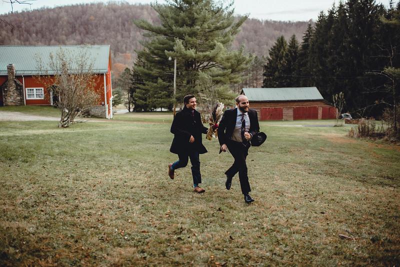 Requiem Images - Luxury Boho Winter Mountain Intimate Wedding - Seven Springs - Laurel Highlands - Blake Holly -1030.jpg