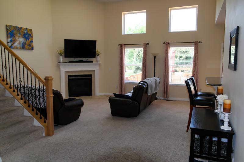 living_room (11).jpg
