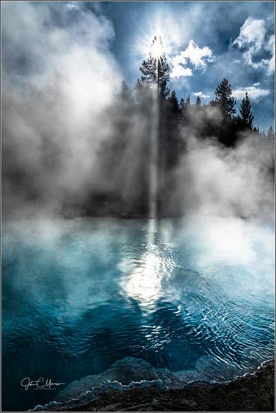 SR3_7364 Sun beam blue pool LPNW.jpg