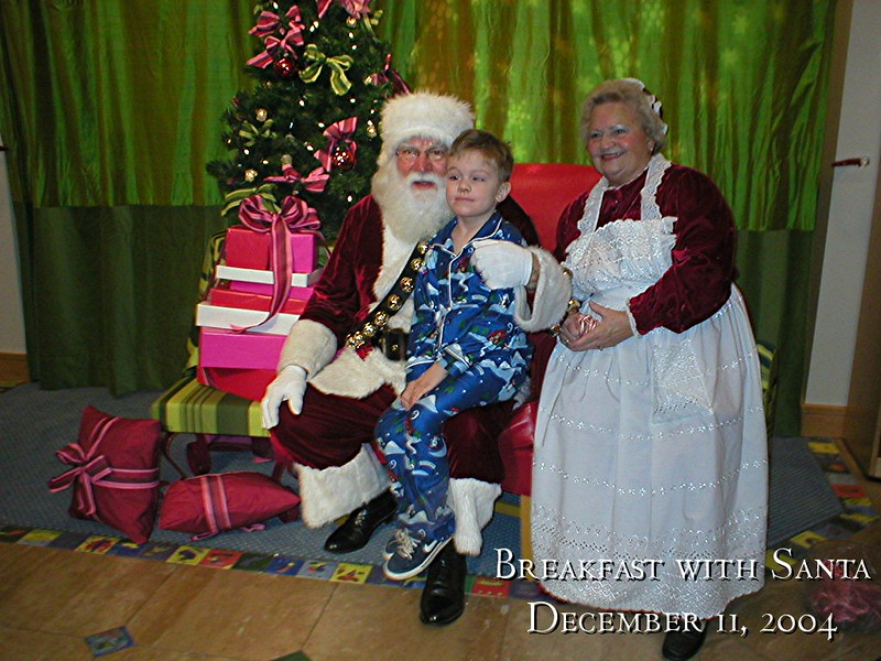 121104_BreakfastwSanta_15.jpg