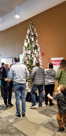 2018-12-08 Christmas Compassion Store