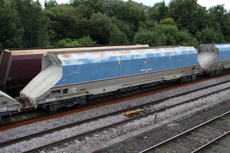 HKA 300608 passes Knottingley on 6E56 Tunstead-Milford 19/06/12
