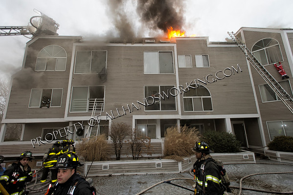 New Haven 3rd alarm 99 Harbour Close condo fire