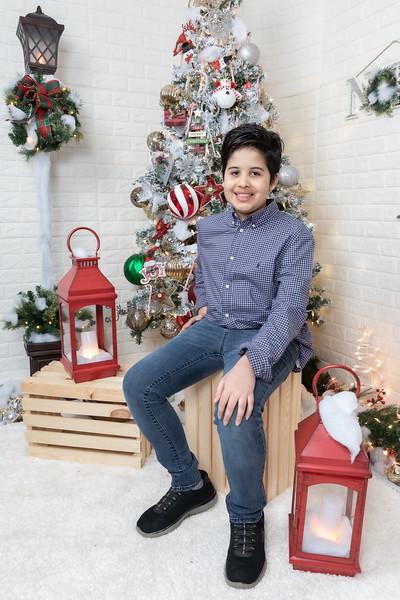 12.21.19 - Fernanda's Christmas Photo Session 2019 - -43.jpg