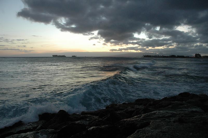 Hawaii - Ala Moana Beach Sunset-159.JPG