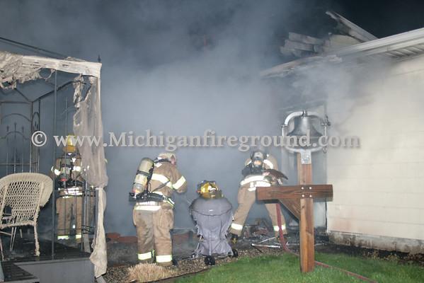 4/17/10 - Leslie house fire, 419 Doty St