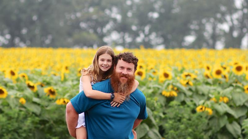 FamilySunflowers_ 162.jpg