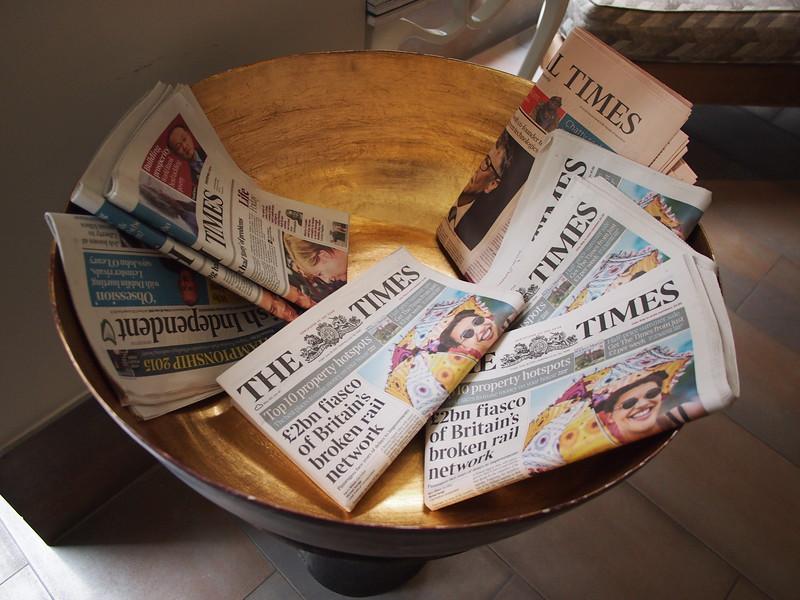 P6262604-newspapers.JPG