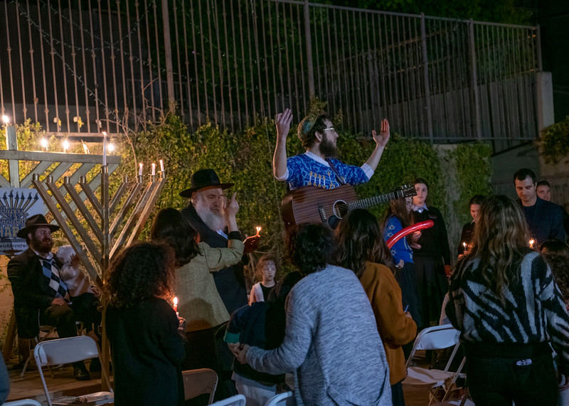 Brentwood Chabad -Chanukah850.jpg
